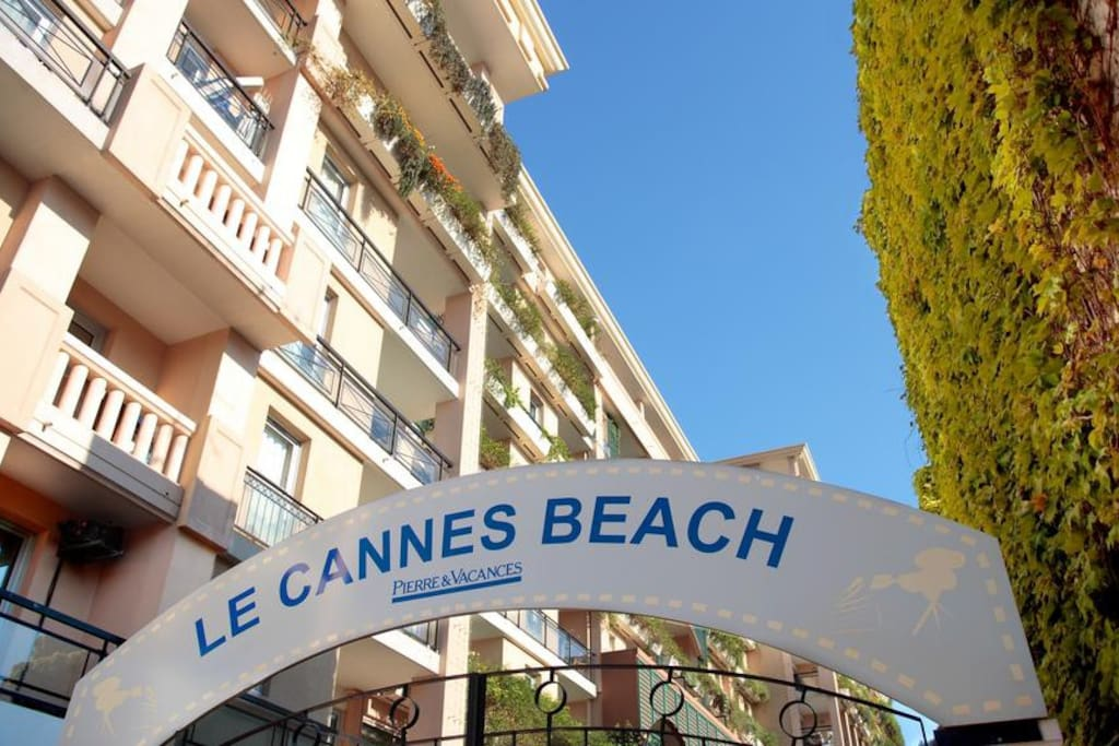 2 pi ces meubl bord de mer apartments for rent in for Location meuble cannes