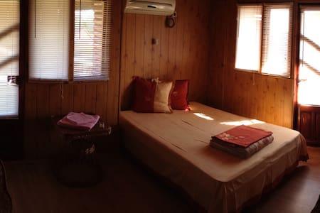Room 2 @ Seaside and Delta Cabin - Sfântu Gheorghe