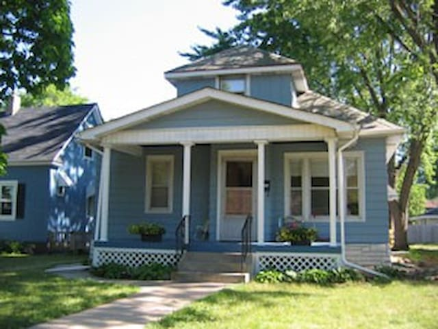 Great home close to the U of M!