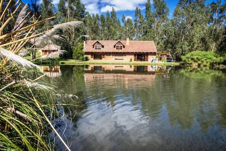 Palumbo Luxury Villa - for 9 people - - Cayambe - วิลล่า