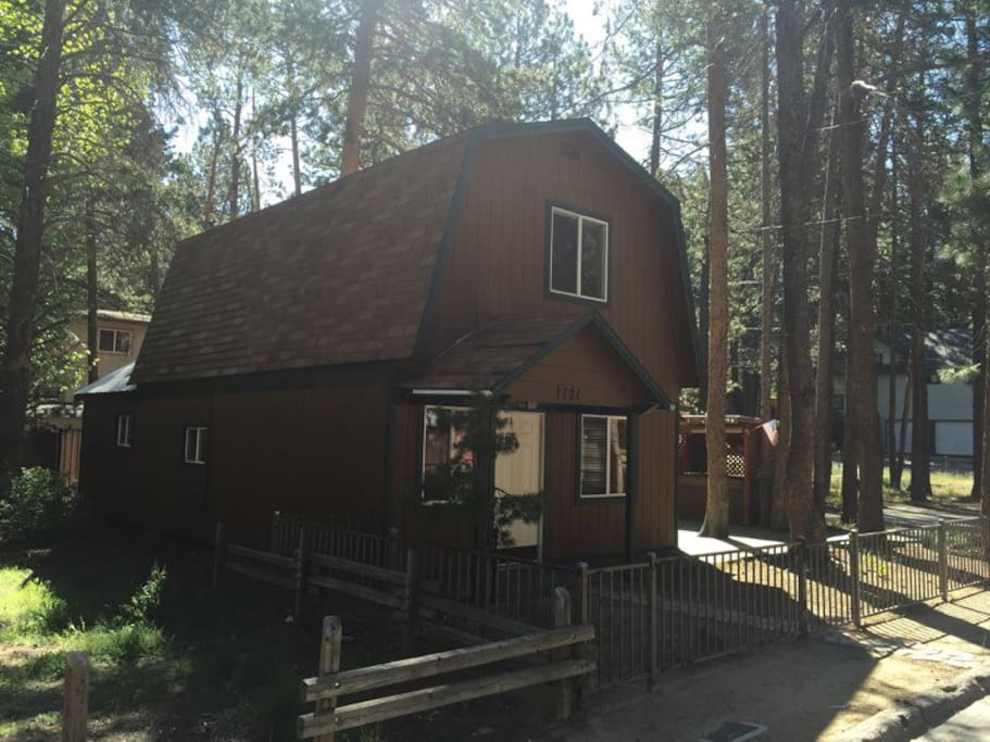 Cozy cabin near everything cabins for rent in south for Rent a cabin in lake tahoe ca