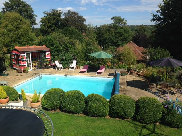 Stunning 1 BD with access to pool - Brighton - Lejlighed