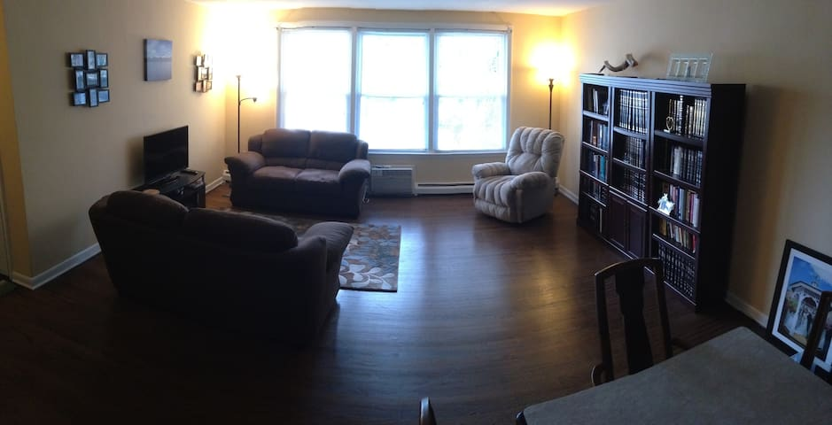 Spacious 2-BR/2-BA near Pope - Bala Cynwyd - Appartamento