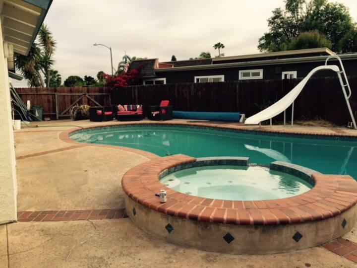 Oceanside pool house