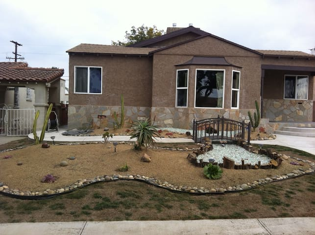 WillardZ - Dream House - Los Angeles - Huis