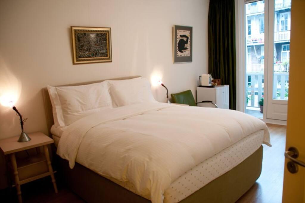 Kamar Bidadari: The Angel's room with a view on the courtyard