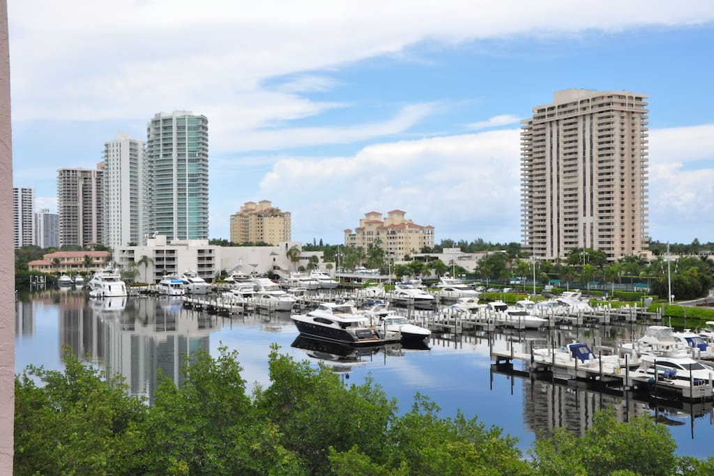 The Yacht Club At Aventura Apartments For Rent In