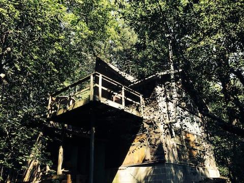 Mountain Edge Loft