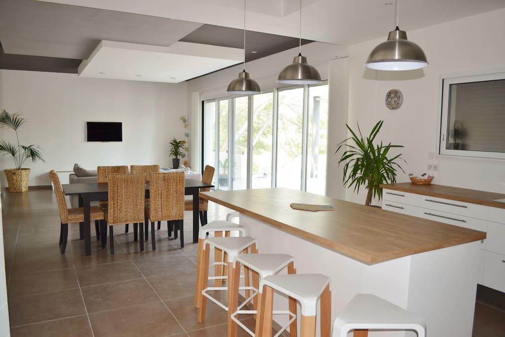 séjour-cuisine de 70m²