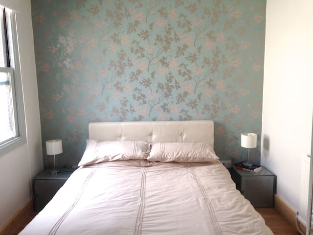 Dbl rm near Crystal Palace - Thornton Heath - Hus