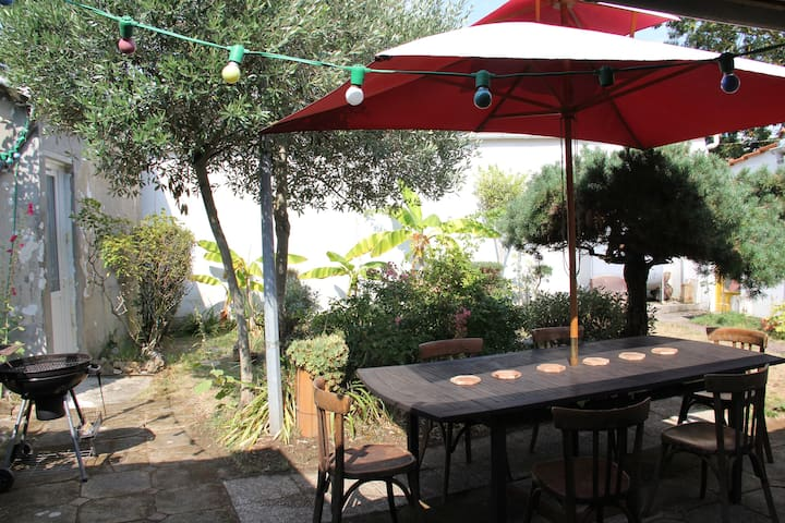 2 private  rooms in garden - Fouras - Casa
