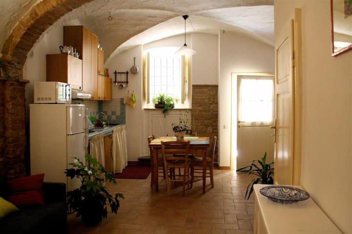 Monolocale centro storico Volterra