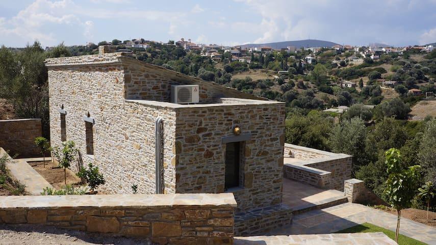 Lumi Villa - Zarakes - Villa