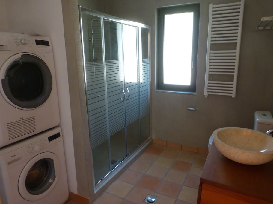 Bathroom & Utility Room