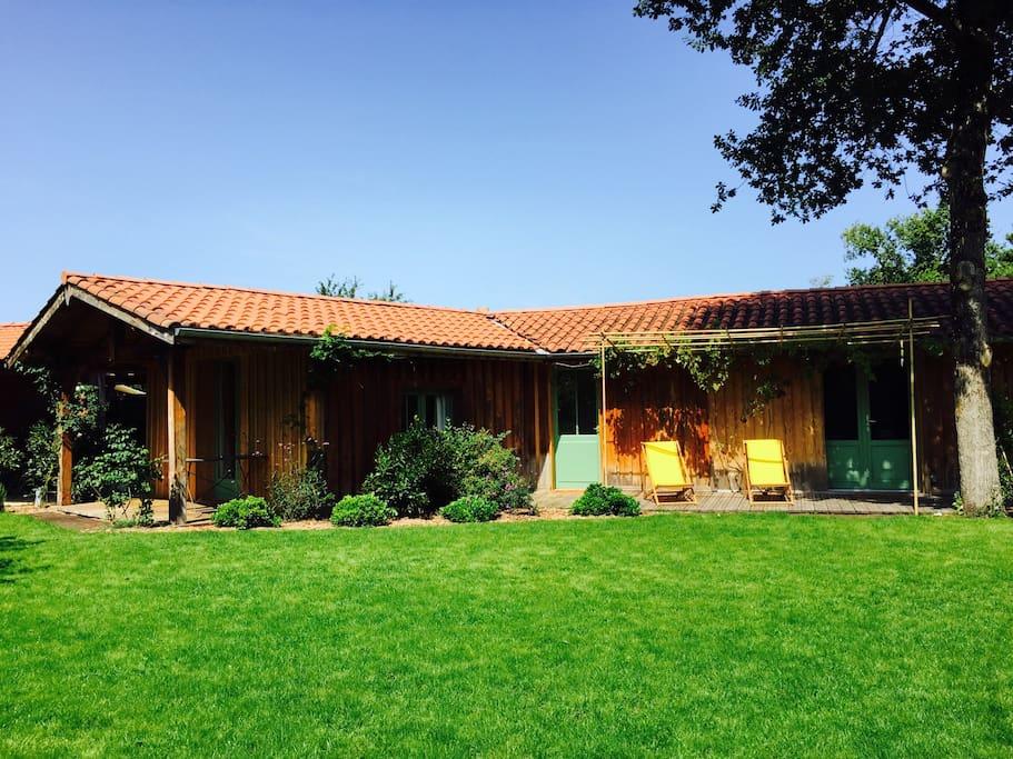 Maison bois avec deux chambres maisons louer l ge for Maison a louer cap ferret avec piscine