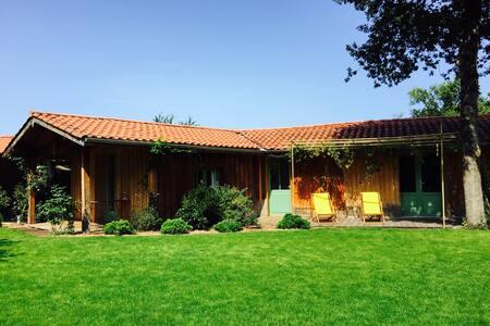 Maison bois  avec deux chambres - Lege-Cap-Ferret - Дом
