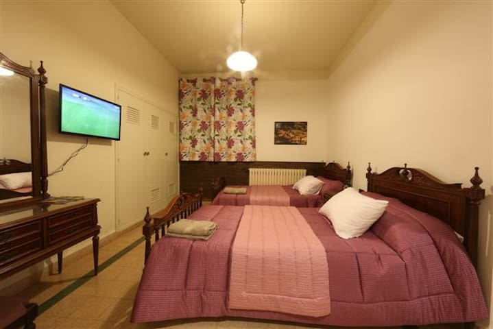 Beit Wadi(URL HIDDEN)Room n8 - Ghazir - 別荘