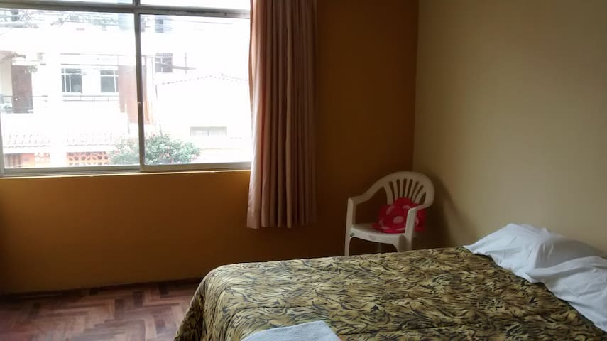 Comfy Large Room in San Miguel - Lima - Dom