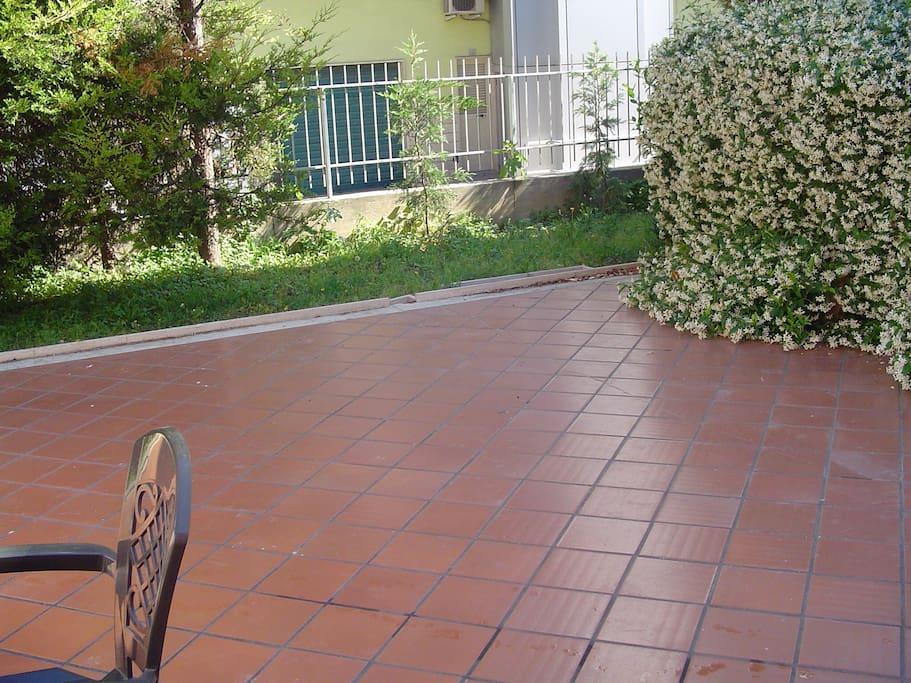 Corte e giardino esterno