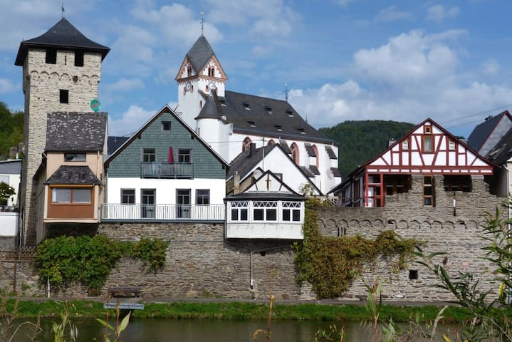 New appartement directly above the river Lahn