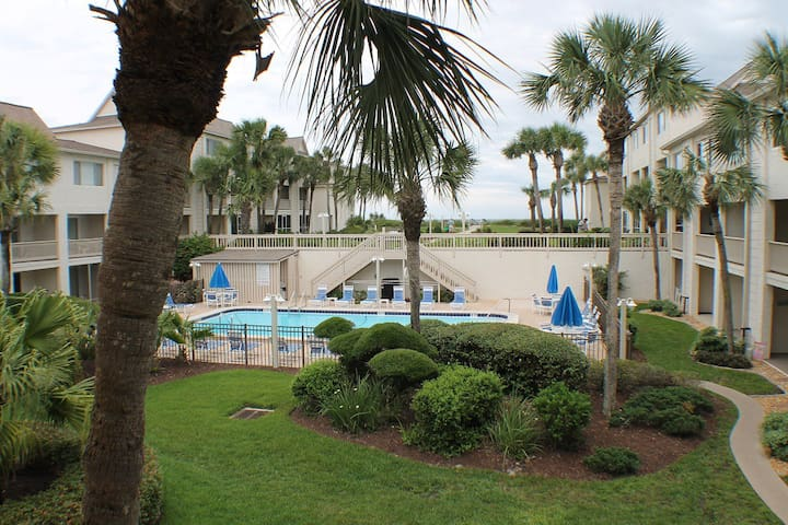 Four Winds G7, Ocean View Condo