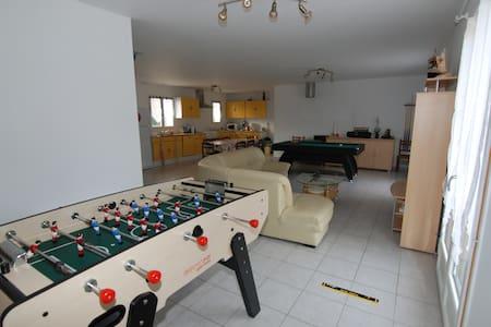 3 chambres meublées - Neuvy-sur-Loire - Dom