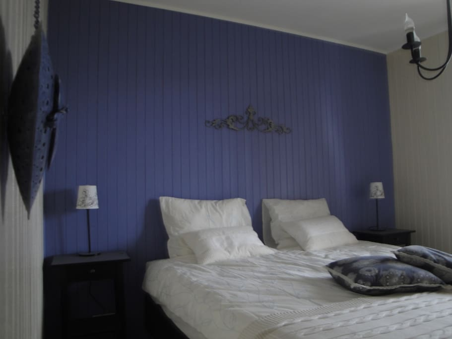 Kamer Lavande met royaal bed 2x90-2.00