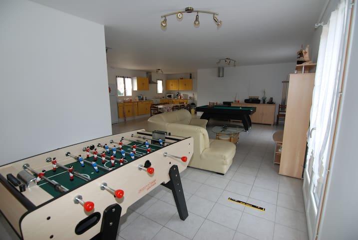 5 chambres meublées - Neuvy-sur-Loire - House