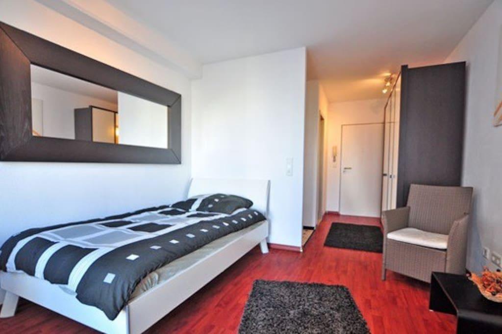 appt zentral ruhig 2 bett messe apartments for rent in k ln nordrhein westfalen germany. Black Bedroom Furniture Sets. Home Design Ideas
