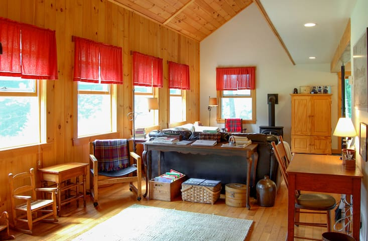 3bd Private Cozy Mountain Cottage w/ views - pets - Thornton - Kisház