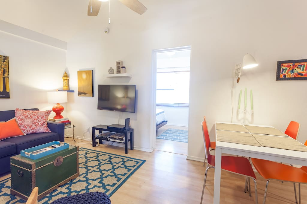Lovely One Bedroom Plus Den Apartments For Rent In Los Angeles California United States