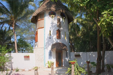 UtupoaUpepo, our tower on the beach - Matemwe - Flat