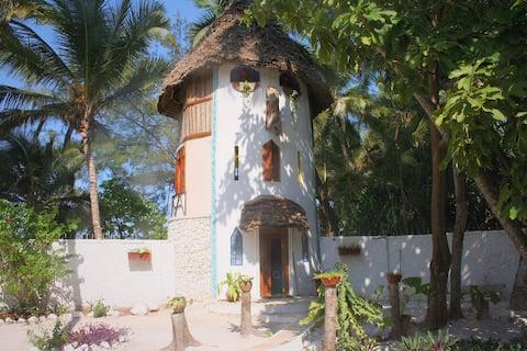 UtupoaUpepo, unser Turm am Strand