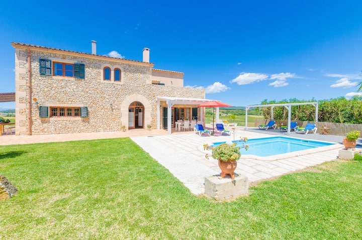 ANGIGAL - Villa with private pool in Manacor. Free WiFi