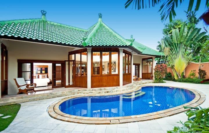 Bali Beautiful 4br Villa By The Sea Villas For Rent In Sanur Bali Indonesia