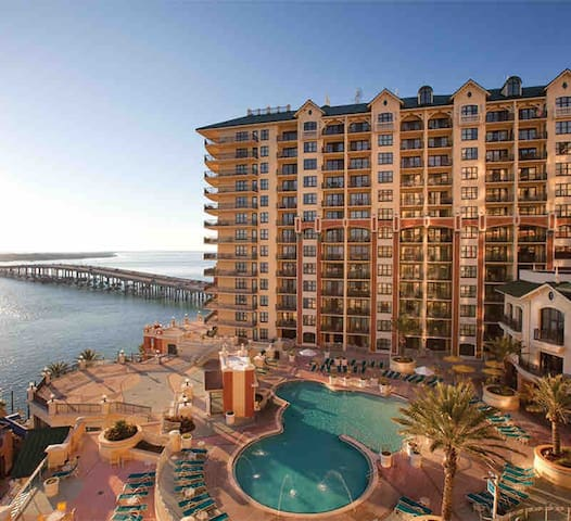 Wyndham Emerald Grande - 3BR DLX (sleeps 8)