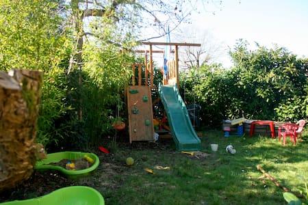 Maison calme, jardin proches Nantes - Saint-Sébastien-sur-Loire