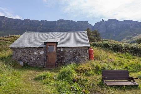 Cleadale Bothy on Isle of Eigg - Isle of Eigg