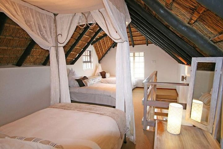Cottage Loft Bedroom perfect for family with small kids