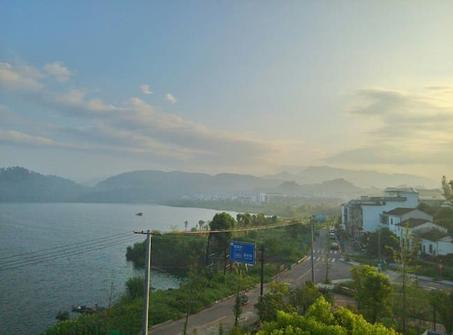 满目青农家小院(千岛湖畔)MMQS Hotel, lakefront