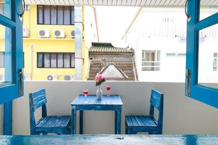 Great location with cozy terrace - Patong Kathu - Bed & Breakfast