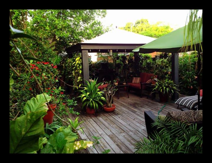 St Petersburg Garden Studio