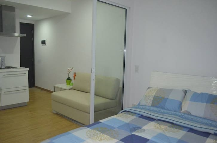 1BR Affordable Condo in Mandaluyong Near Rockwell