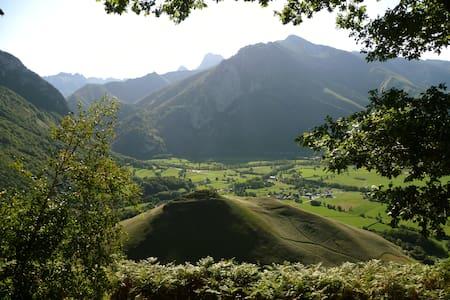 Le chalet des Ecuyers  Pyrénées - Accous