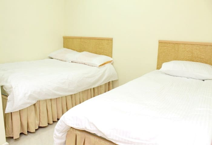 Spacious Triple room 1min to MTR#7