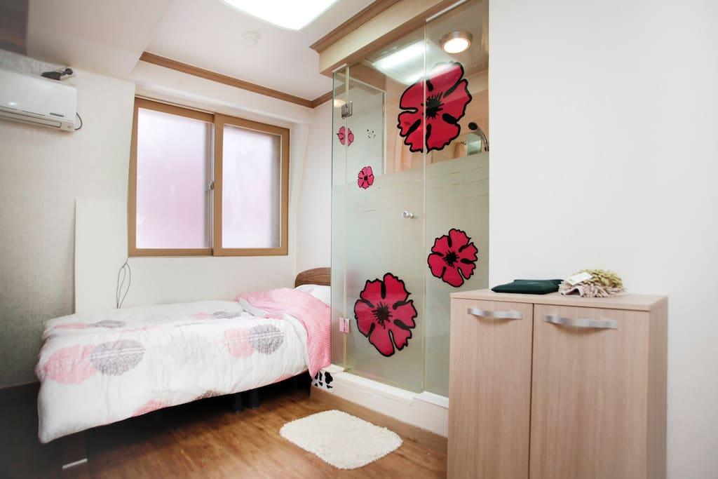 A neat&sweet room near Dongdaemun 3