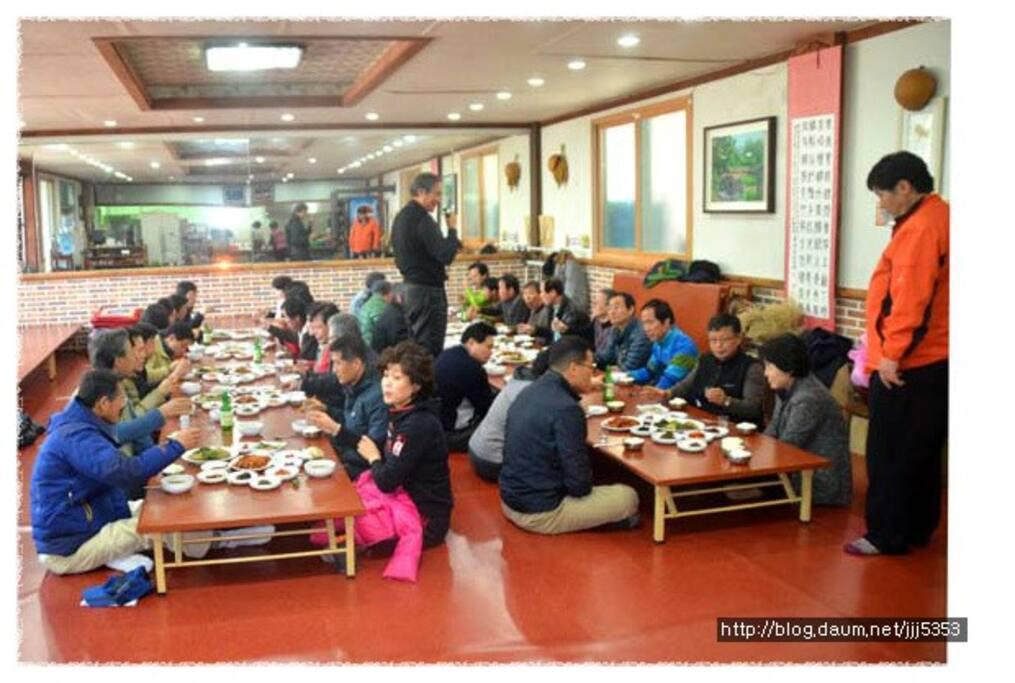 최대500명 수용가능한 식당
