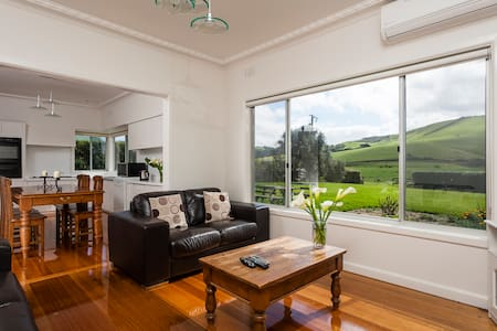 The Farm House - Johanna Beach