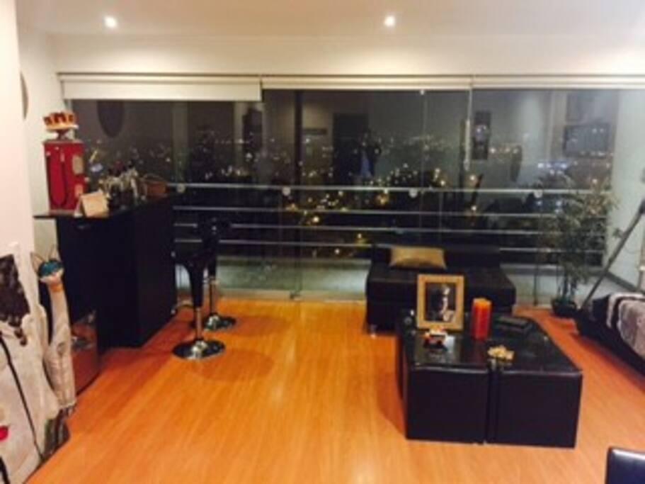 Amplio espacio en la sala