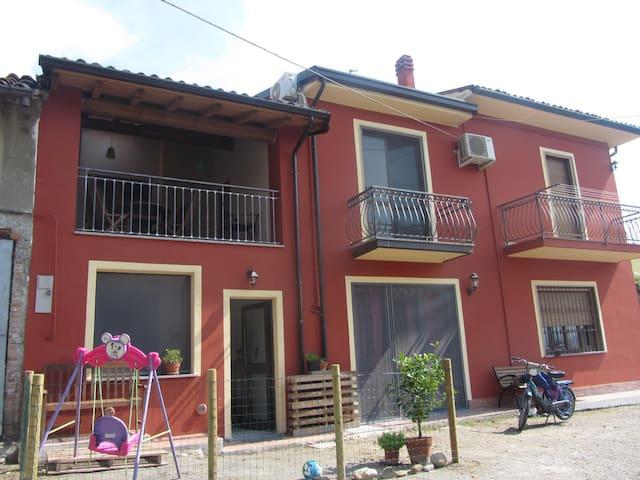 Casa indipendente con terrazzo - Canneto Pavese - Haus